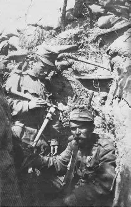 Austro-húngaros con maza.