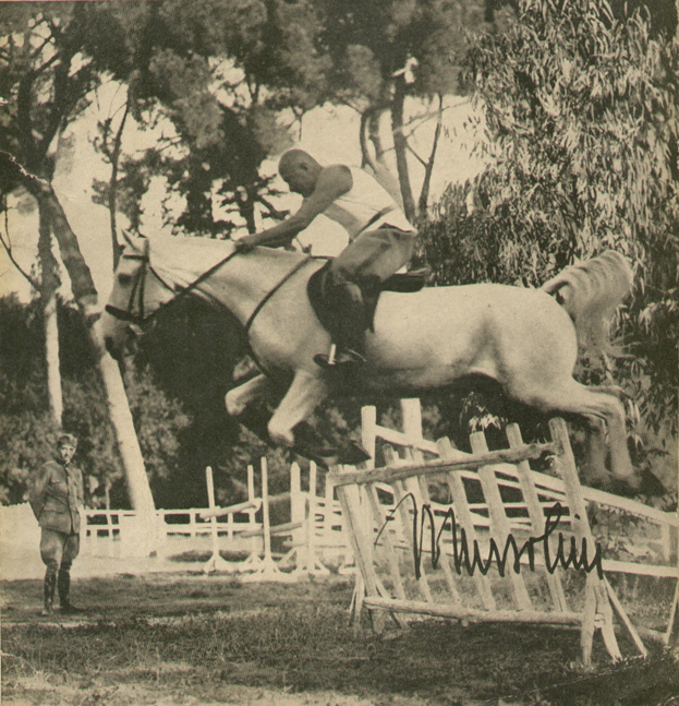 143.-Mussolini-horse-riding-in-Villa-Torlonia-19381