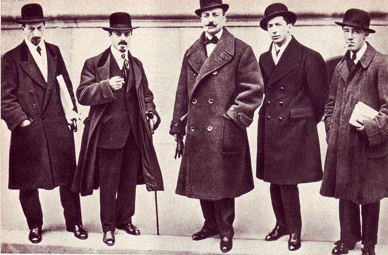 Luigi Russolo, Carlo Carrà, Filippo Tommaso Marinetti, Umberto Boccioni ... e Gino Severini a Parigi nel 1912 .