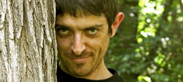 Entrevista a Emilio Bueso (y II), escritor: Esta noche arderá el cielo y Extraños eones