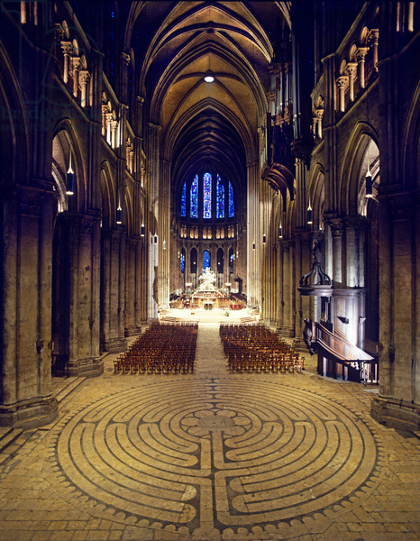 Labyrinth, Chartres Cathedral, France (photo)